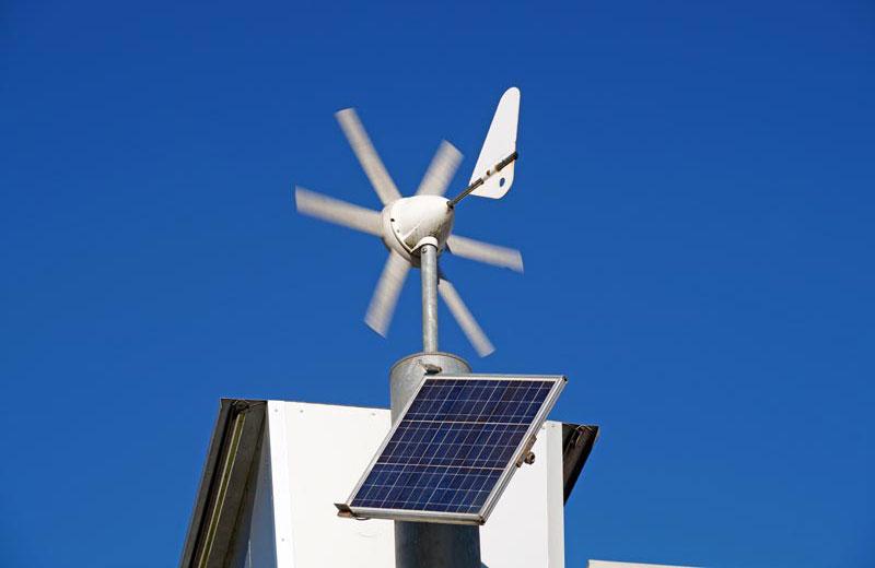 auditoría y certificación energética de naves, edificios y locales comerciales en Madrid - Instalación mini  éolica