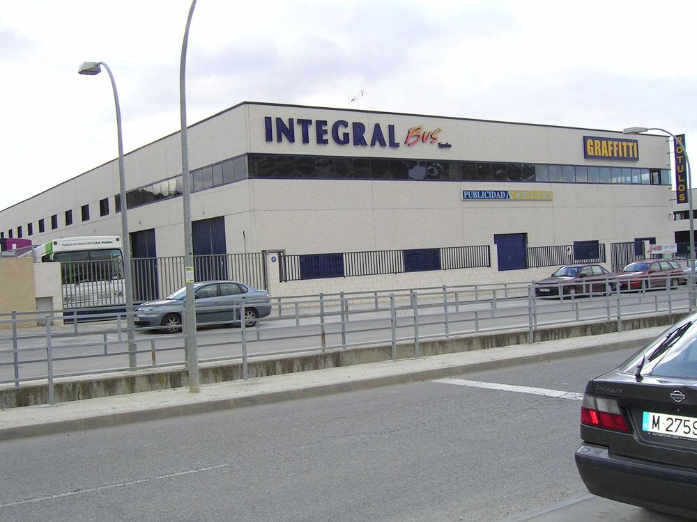 Construcción de nave industrial nido y oficinas en Madrid (Aranjuez) - Tourist Bus Spain